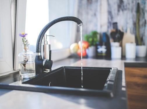 Huiseigenaar draait zelf op voor €3.574,42 aan weggelekt water