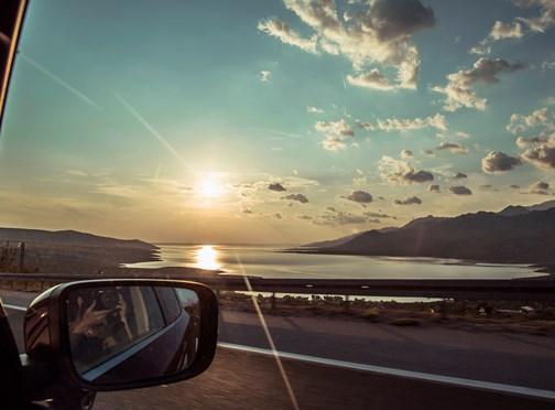 Per auto op vakantie? Check je pechhulp en neem de juiste spullen mee